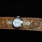 watch02a